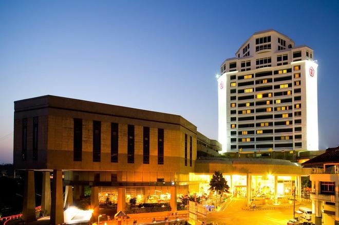 Thumrin Thana Hotel - Trang - Rakennus