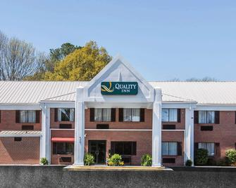 Quality Inn - Cedartown - Building