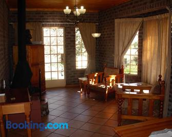 Thaba Tsweni Lodge & Safaris - Graskop - Sala de estar