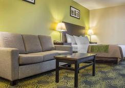 Comfort Hotel & Suites - Peterborough - Makuuhuone