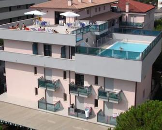 Aparthotel Olimpia - Сан-Микеле-аль-Тальяменто - Здание