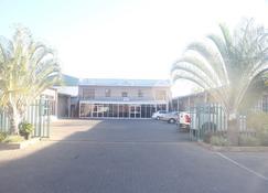 City Inn Lodge - Francistown - Gebäude