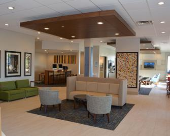 Holiday Inn Express & Suites Waterville - North - Waterville - Lounge