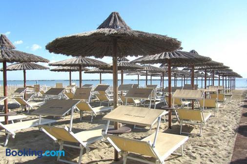 維斯塔馬雷酒店 - 切塞納蒂科 - 切塞納蒂科 - 海灘