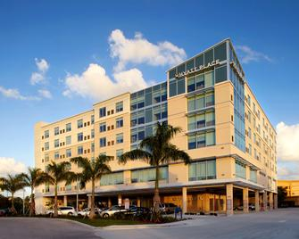 Hyatt Place Miami Airport East - Miami - Building