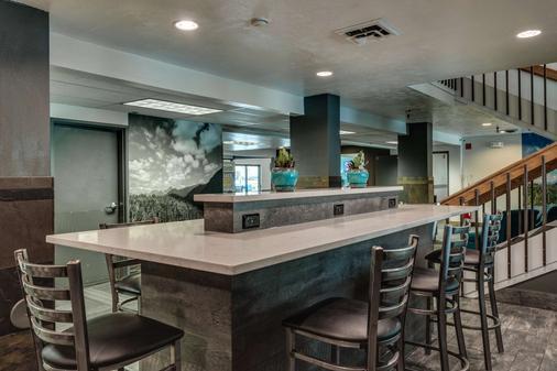 SureStay Plus Hotel by Best Western Post Falls - Post Falls - Bar