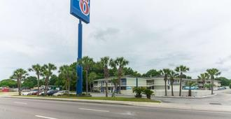 Motel 6 Pensacola West - Pensacola - Building