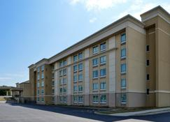 Holiday Inn Martinsburg - Martinsburg - Edificio