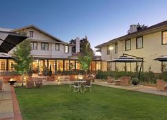 Hotel Kurrajong Canberra - Camberra - Patio