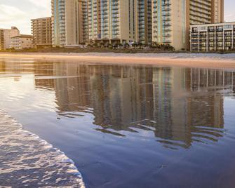 Wyndham Ocean Boulevard - North Myrtle Beach - Building