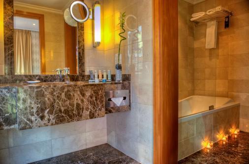 Radisson Blu Martinez Hotel, Beirut - Beirut - Kylpyhuone