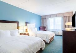 Clarion Hotel & Aqua Lagoon Waterpark - West Springfield - Bedroom