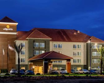 La Quinta Inn & Suites by Wyndham Fresno Riverpark - Fresno - Building