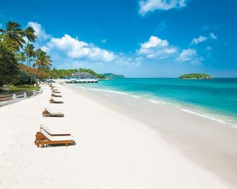 Sandals Halcyon Beach Couples Only - Castries - Strand