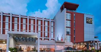 Four Points by Sheraton Cancun Centro - Cancún - Building