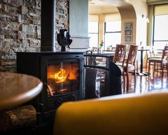 The Avoca Hotel - Newcastle - Restaurace