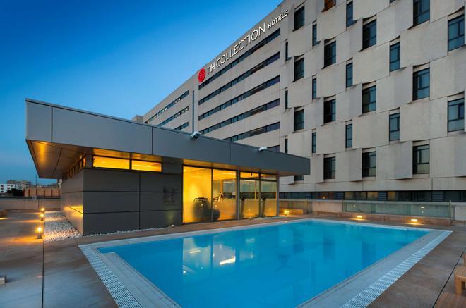 新罕布什爾州肯文內斯酒店 - 塞維爾 - 塞維利亞 - 游泳池
