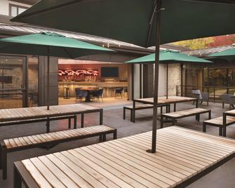 Radisson Hotel and Conf Ctr Green Bay - Green Bay - Bar