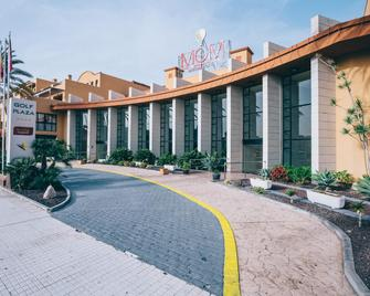 Grand Muthu Golf Plaza Hotel & Spa - Сан-Мігель-де-Абона - Building