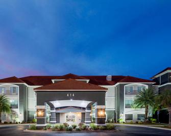 La Quinta Inn & Suites by Wyndham Savannah Airport - Pooler - Pooler - Edificio