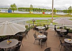 Coast International Inn - Ανκορέιτζ - Εστιατόριο