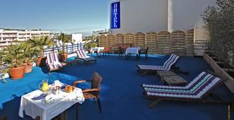 Hotel Palm Beach - Cannes - Patio