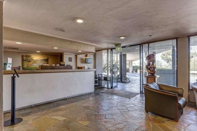 Red Lion Hotel Monterey - Monterey - Vastaanotto