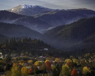 Ashland Springs Hotel - Ashland - Cảnh ngoài trời