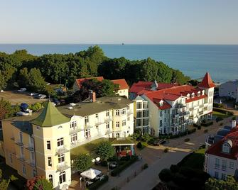 Hotel Residenz Waldkrone - Kuehlungsborn - Building