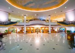 Ramada by Wyndham Pearl Guangzhou - Guangzhou - Lobby