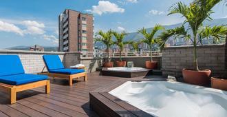 Hotel Poblado Alejandria Express - מדיין - בניין