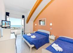 Hotel Sogno - Cesenatico - Bedroom