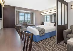 Microtel Inn & Suites by Wyndham Tuscaloosa Near University - Tuscaloosa - Phòng ngủ