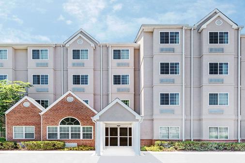 Microtel Inn & Suites by Wyndham Tuscaloosa Near University - Tuscaloosa - Toà nhà
