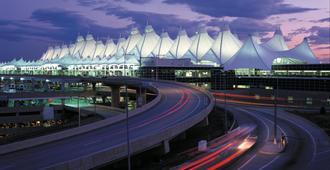 Crowne Plaza Denver Airport Convention Ctr, An IHG Hotel - דנבר - בניין