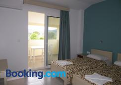 Christakis Hotel - Sidari - Bedroom