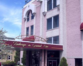Auberge Du Grand Lac - Magog - Building
