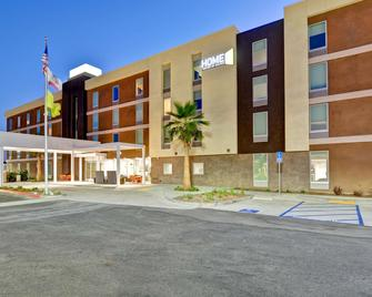 Home2 Suites by Hilton Azusa - Azusa - Building