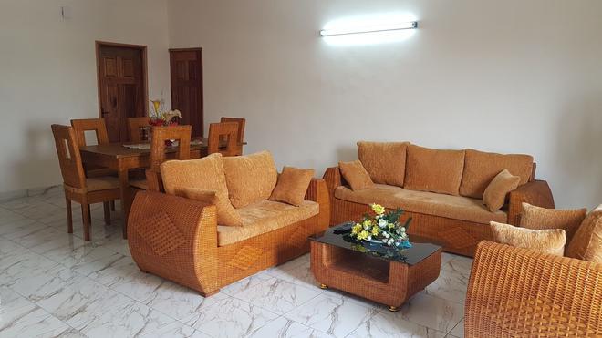 Residence Rom 4 Treicheville - Abidjan - Living room