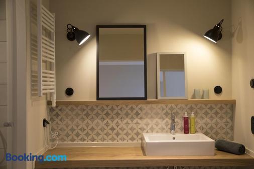Restaurant & Hotel Strandleben - Schleswig - Bathroom