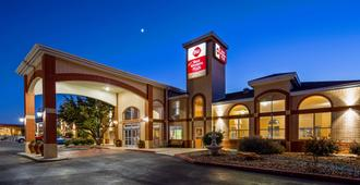 Best Western Plus Lubbock Windsor Inn - Lubbock - Building
