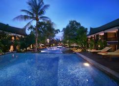 Aston Sunset Beach Resort - Gili Trawangan - Gili Trawangan - Pool