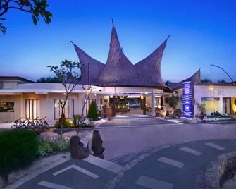 Aston Sunset Beach Resort - Gili Trawangan - Gili Trawangan - Building