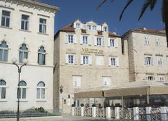 XII Century Heritage Hotel - Trogir - Building