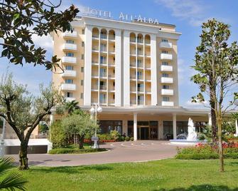 Hotel Terme All'Alba - Abano Terme - Gebäude