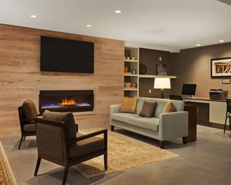 Country Inn & Suites by Radisson, Smithfield-Selma - Smithfield - Вітальня