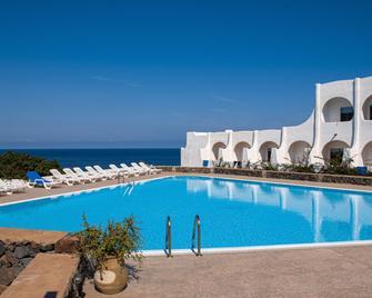 Cossyra Hotel - Pantelleria - Pool