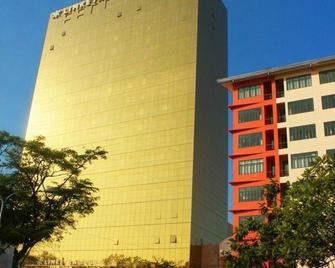 Limketkai Luxe Hotel - Cagayan de Oro - Gebouw