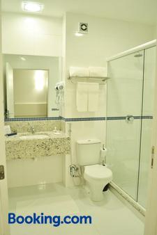 Villa Premium Hotel - Erechim - Bathroom