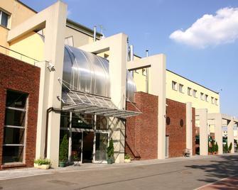 Hotel Liburnia - Цешин - Building